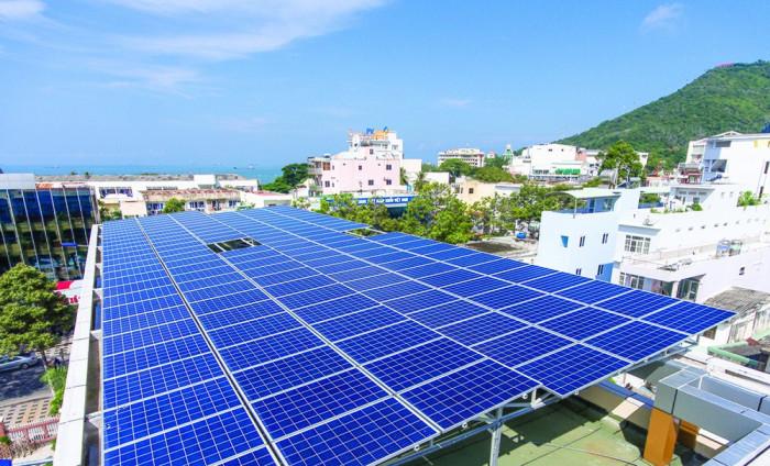 Người dân sẽ được mua điện mặt trời áp mái với cơ chế mới từ tháng 4